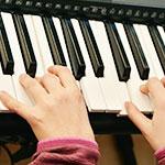 毎週行う音楽療法